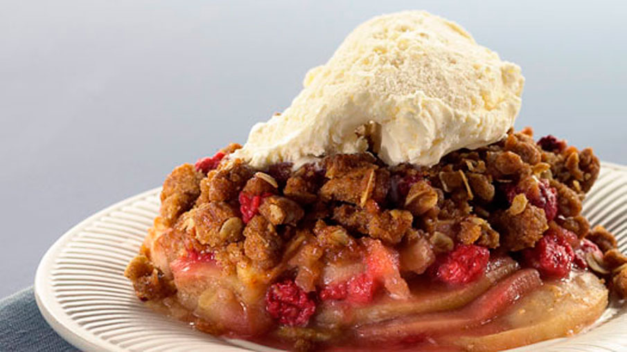 Holiday Cranberry, Pear and Apple Crisp