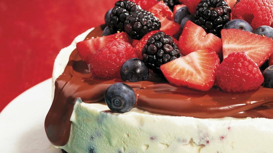 Easy Berry Ice Cream Cake